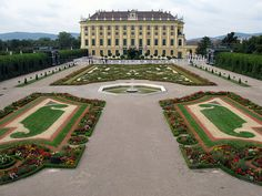 12 of the Best Free European Attractions