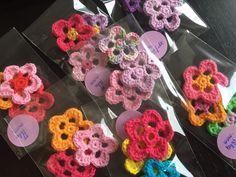 by GJ: Jeg sælger blomster! - Hæklede blomster - Crochet flowers