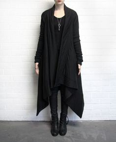 GOTHIC Gorgeousness. Love this to death lol, get in my closet...now!