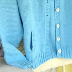 Learn how to knit this vertical pocket in a women's cardigan knitting pattern. Cardigan Fashion, Knit Fashion, Women's Fashion, Cardigan Pattern, Knit Cardigan, Universal Yarn, Pocket Pattern, Knitting Patterns, Summer Wear