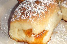 A házi készítésű, foszlós, sok lekvárral töltött buktának nincs párja. Másnapra sem szikkad meg. Pastry Recipes, Gourmet Recipes, Cookie Recipes, Dessert Recipes, Croatian Recipes, Hungarian Recipes, Bread Dough Recipe, Sweet Cookies, Bread And Pastries