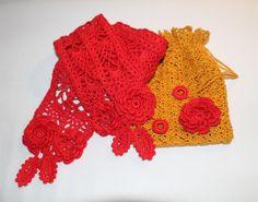 """Rødt Tørklæde og lille pose til opbevaring af det. Mønstrene er fra den Japanske hæklebog """"Irish Crochet Lace"""" af Mayumi Kawai."""