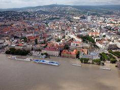 Pozrite si letecké zábery rozvodneného Dunaja v Bratislave (streda) - www.sme.sk Bratislava, Paris Skyline, Dolores Park, City, Water, Places, Travel, Outdoor, Water Water