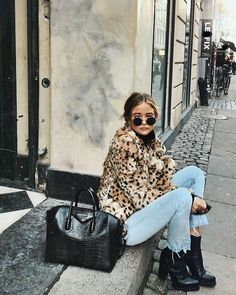 Leopard coat with black Givenchy bag