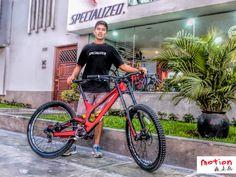 ¿Ya viste a la bici más ganadora en Downhill? Ven hoy y prueba la #Specialized S-Works Demo, implacable, rápida, agresiva y diseñada en fibra de carbono para ser la más rápida del circuito.  #iamspecialized