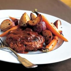 Superfast Salisbury Steak: This easy salisbury steak weighs in at just 210 calories per serving. We used a blend of two kinds of ground meats for the patties. The turkey breast brings the total fat down while the ground round adds moistness and flavor. Serve with roasted vegetables, such as potatoes and carrots.