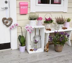 DIY Wooden Crate for Balcony Garden - Balcony Decoration Ideas in Every Unique Detail Diy Wooden Crate, Wooden Decor, Wooden Boxes, Wooden Crates, Pallet Ideas For Outside, Crate Decor, Small Space Interior Design, Patio Makeover, Unique Gardens