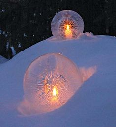 Easy to make ice lanterns.... FROM BALLOONS!!! Great for a Winter party