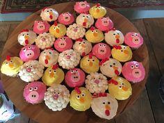 Animal Party Food, Farm Animal Party, Farm Animal Birthday, Farm Birthday, Birthday Parties, Farm Animal Cakes, Farm Animals, Birthday Cupcakes, Gabriel