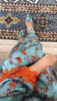 Cute Girl Poses, Cute Girl Pic, Girl Photo Poses, Girl Photography Poses, Abaya Fashion, Muslim Fashion, Fashion Dresses, Hijabi Girl, Girl Hijab