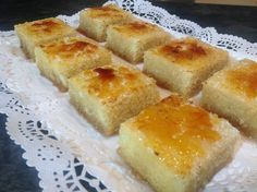 Bizcocho borracho con yema quemada - French Food recipies and others - Pastel de Tortilla Delicious Deserts, Yummy Food, Sweet Recipes, Cake Recipes, Spanish Desserts, Desert Recipes, Cakes And More, Bakery, Food And Drink