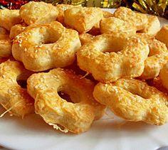 Év eleji Omlós. Csak összekevered, nyújtod és 15 perc alatt megsül - MindenegybenBlog Cupcake Cookies, Cupcakes, Coconut Cream, Bagel, Pie Recipes, Doughnut, Ham, Kenya, Oreo