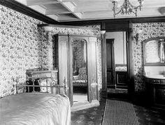 a bedroom aboard the Standart