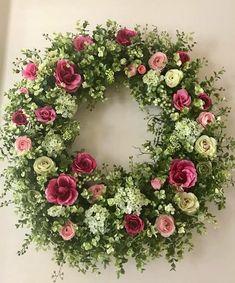roses garden care hydrangea garden care Mini Roses and Hydrangeas Summer Door Wreaths, Holiday Wreaths, Sunflower Wreaths, Floral Wreaths, Mini Roses, Funeral Flowers, Flower Garlands, Diy Wreath, Wreath Ideas
