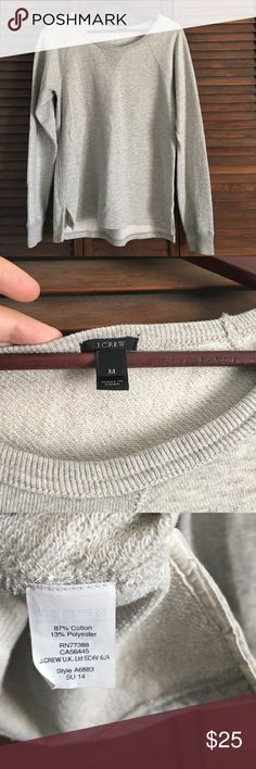 🆕 EUC J. CREW Crewneck 🚫 NO TRADES 🚫 EUC. Worn one time. Size M. Relaxed fit light grey crew neck. No stains or tears! OFFERS ARE WELCOMED 😊 J. Crew Tops