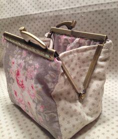 Diy Bags Purses, Diy Purse, Purses And Handbags, Fabric Handbags, Fabric Bags, Vintage Purses, Vintage Bags, Black Handbags, Leather Handbags