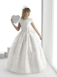 Samara vestido de comunión Rosa Clara                                                                                                                                                                                 Más