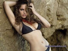 Kelly Brook Wonderful Photo