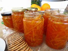 Doce de Laranja Caramel Apples, Food Inspiration, Recipies, Deserts, Sweets, Food And Drink, Chocolate, Fruit, Mason Jars