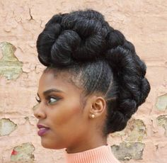 Transitioning to Natural Hair – Übergangsfrisuren Black Natural Hair Care, Natural Hair Updo, Black Hair Care, Natural Hair Styles, Natural Dreads, African Hairstyles, Easy Hairstyles, Wedding Hairstyles, Black Hairstyles