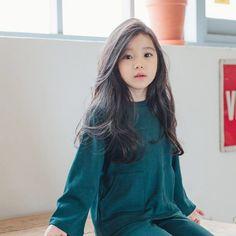 Exo as parents (Discontinued) - Suho Cute Asian Babies, Korean Babies, Asian Kids, Cute Korean Girl, Cute Babies, Cute Little Baby, Cute Baby Girl, Foto Rose, Korean Fashion