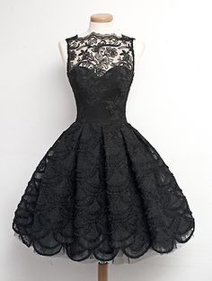 Vintage 1950s black lace dress