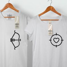 Arco y flecha caza amor pareja camiseta parejas por FreshTshirtCo