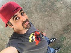 De vez en cuando hay que tomarse un respiro para seguir en la lucha con energía... http://ift.tt/209CVHi  #nacidosdelatierra #hiphop #rap #skate #sinfiltros #nofilter #deadpool #vans #selfie