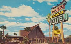 I love the colors and architecture of the sign and motel. They don't make motels like they used to...