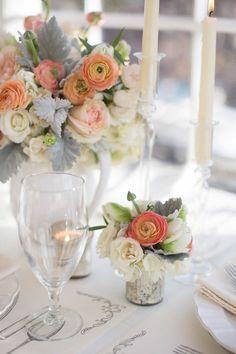 Flower table decorating #wedding #decor
