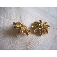 Vintage Large Goldtone Open Sunflower Textured Stud Earrings Pierced Listing in the 1950s-1970s,Antique & Vintage,Jewellery & Watches Category on eBid United Kingdom