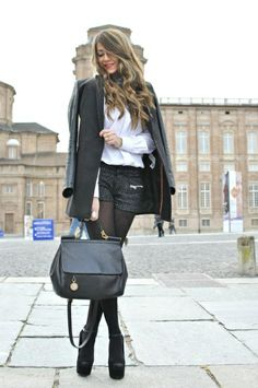 I love everything about this Fall outfit. Lovely Fall Fresh Looking Outfit. 32 Surprisingly Cute Street Style Ideas To Wear Today – I love everything about this Fall outfit. Lovely Fall Fresh Looking Outfit. Look Fashion, Womens Fashion, Fashion Tips, Fashion Trends, 20s Fashion, Street Fashion, Fall Fashion, Fashion Dresses, Fashion Ideas