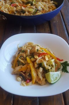 Easy Pad Thai Chicken - A Sparkly Mess