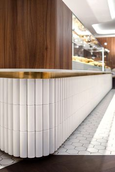 Beautiful mid-century modern in the cafe Restaurant Concept, Restaurant Design, Modern Restaurant, Architecture Restaurant, Interior Architecture, Cafe Interior, Interior Design Kitchen, Home Bar Rooms, Counter Design