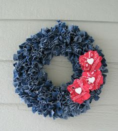 Repurpose old denim to make an awesome wreath! So cute! Definitely doing this with all the jeans that are TOO BIG thanks to my weight loss!