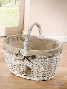 Wicker Picnic Basket, Rattan Basket, Paper Basket Weaving, Cane Baskets, Homemade Gift Baskets, Wedding Gift Baskets, Fall Arts And Crafts, Basket Crafts, Basket Liners