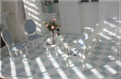 Linnanneidon lokikirja Miniature Rooms, Dollhouse Miniatures, Armchair, Table Decorations, Furniture, Tables, Dolls, Home Decor, Book