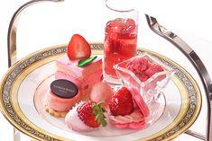 ウェスティン都ホテル京都では、「ピンクアフタヌーンティー」を2018年3月1日(木)から4月30日(月・祝)まで提供する。「ピンクアフタヌーンティー」では苺の甘酸っぱさを堪能できるスイーツが勢揃い。華... Food Cravings, Diy Food, Chocolate Fondue, Panna Cotta, Deserts, Food And Drink, Sweets, Ethnic Recipes, Foods