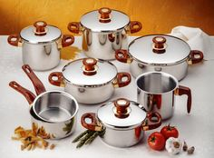 """Stainless steel has become very popular when it comes to """"must haves"""" in homes. Whether it be stainless steel appliances or stainless steel cookware, myself included has a ton of stainless steel in my house because it not only looks beautiful, it is. Best Non Stick Cookware, Best Nonstick Cookware Set, Stainless Steel Utensils, Stainless Steel Appliances, Kitchen Pans, Kitchen Utensils, Kitchen Gadgets, Best Pans, Pots And Pans Sets"""