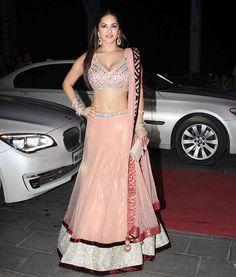 Leela Ek Paheli actress Sunny Leone showed off her curves in a peach lehenga.