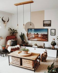 What do you get when you mix boho with mid-century modern? This beautiful living… What do you get when you mix boho with mid-century modern? This beautiful living room 😍 📸: Boho Living Room, Cozy Living Rooms, Home And Living, Living Room Decor, Bedroom Decor, Wall Decor, Bedroom Ideas, Style Deco, Boho Style