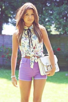 colored shorts, floral tied up shirt... such a cute outfit!