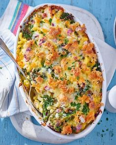 Crunchy-melty tuna and broccoli pasta bake Salmon Recipes, Fish Recipes, Seafood Recipes, Vegetarian Recipes, Cooking Recipes, Healthy Recipes, Recipies, Seafood Pasta, Lentil Recipes