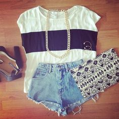 love the high waisted shorts with stripe t and gold chain