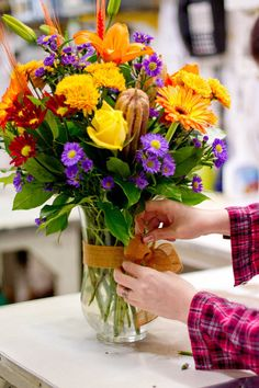 Arrange a gift floral bouquet like a pro - by Rikki Snyder on Houzz.  Good tutorial.