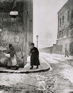 Roman Vishniac.Isaac Street, Cracow, 1938