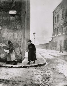 Roman Vishniac, Isaac Street, Cracow, 1938. Vishniac's extraordinary documentation of everything that would soon be lost, is a tremendous gift to the world. A tremendously sad gift.
