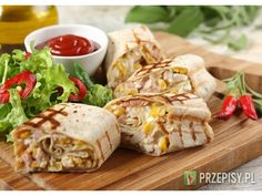 Wrap z pastą jajeczną, kurczakiem wędzonym i kukurydzą Pasta, Finger Food, Fresh Rolls, Carne, Tacos, Food And Drink, Mexican, Lunch, Cooking
