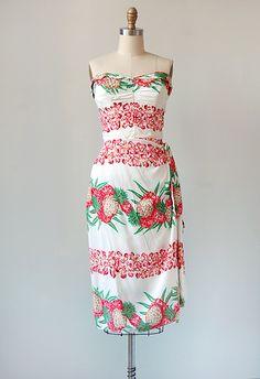 vintage 1950s tropical bombshell dress // ADORED | VINTAGE