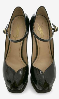 Love the cut of these shoes -Yves Saint Laurent Black Pump   VAUNTE.